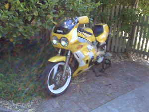 1990 Yamaha FZR400 For Sale in California