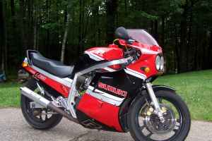 1986 Red and Black Suzuki GSXR 750 For Sale in New Hampshire