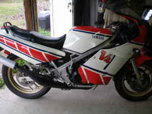 yamaha rz500 side profile rare sportbikes for sale. Black Bedroom Furniture Sets. Home Design Ideas
