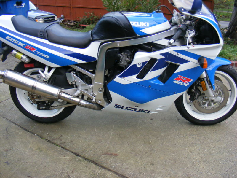 1991 Suzuki GSX-R 750 in clic blue and white with only 1,650 ...