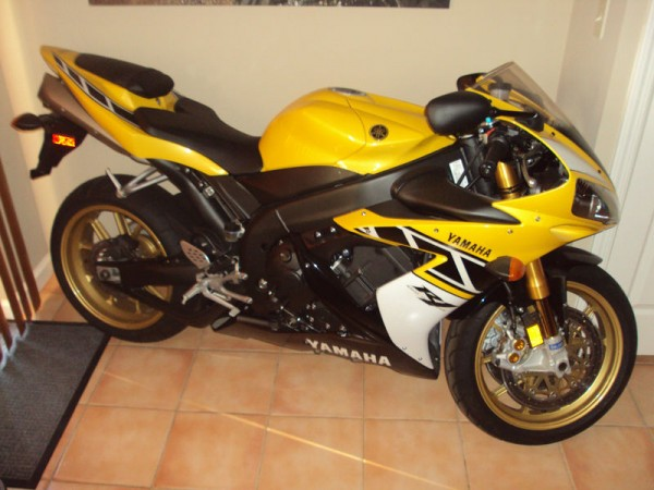 It's only new once: Brand New 2006 Yamaha YZF-R Limited Edition R1 ...