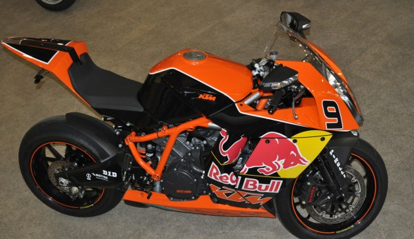 RC8R4 1 600x347