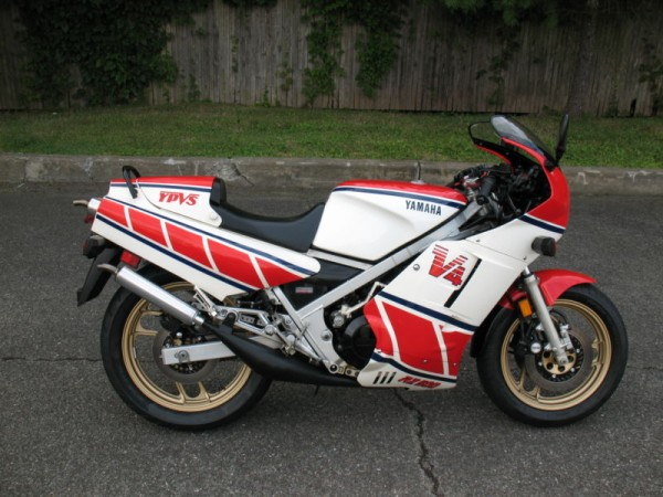 In a new york minute 1985 yamaha rz500 rare sportbikes for Yamaha rz for sale