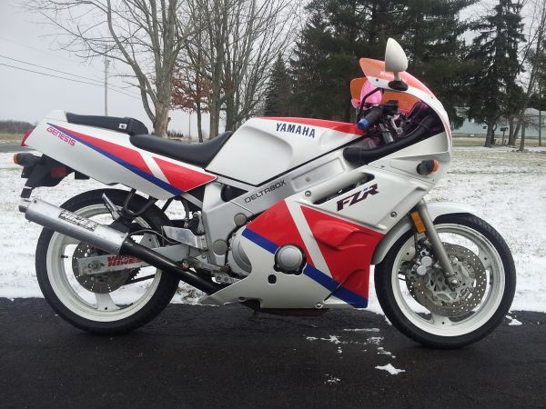 1990 Yamaha FZR600 For Sale