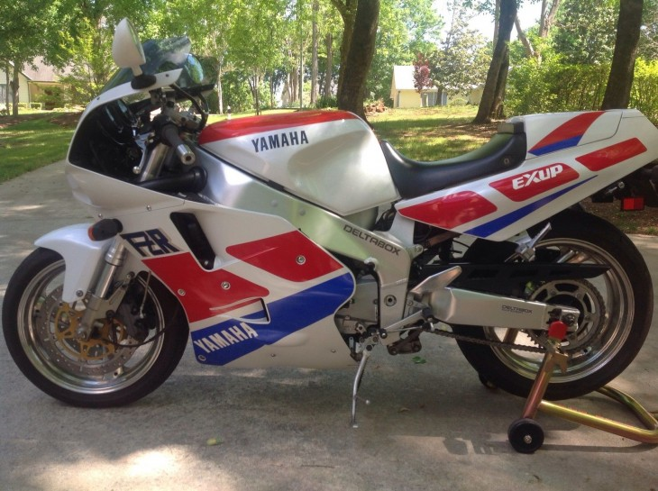 1989 Yamaha FZR 1000 for sale