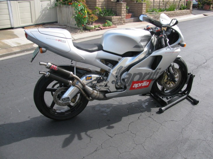 Silver Surfer:  1996 Aprilia RS250 for sale in California