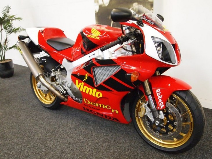 Road:  NEW 2002 Joey Dunlop RC51 in the UK