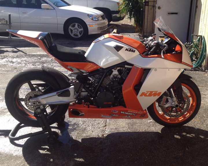 2010 KTM RC8R Track Bike R Side2