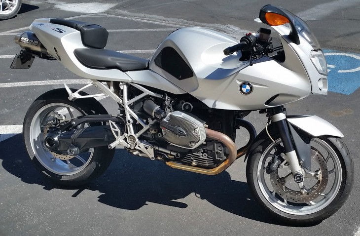 Quirky, Low-Profile Fun: 2007 BMW R1200S for Sale