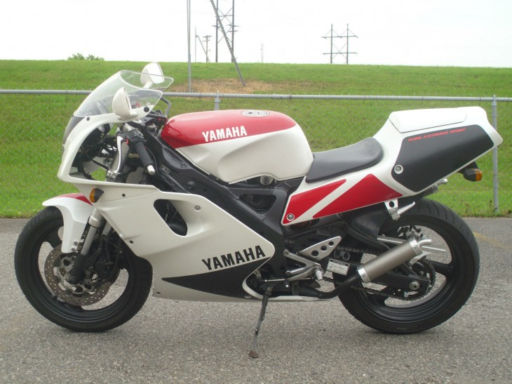 Get it before it freezes: 1992 Yamaha TZR250RS in Minnesota