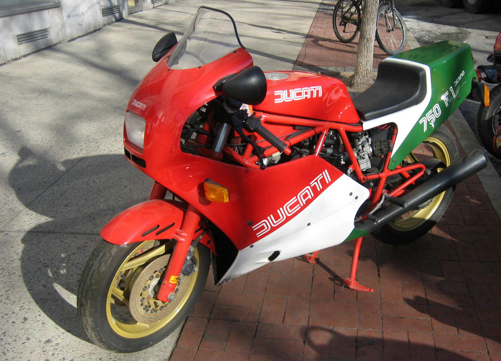 a shot at the title: 1985 ducati 750 f1 - rare sportbikes for sale