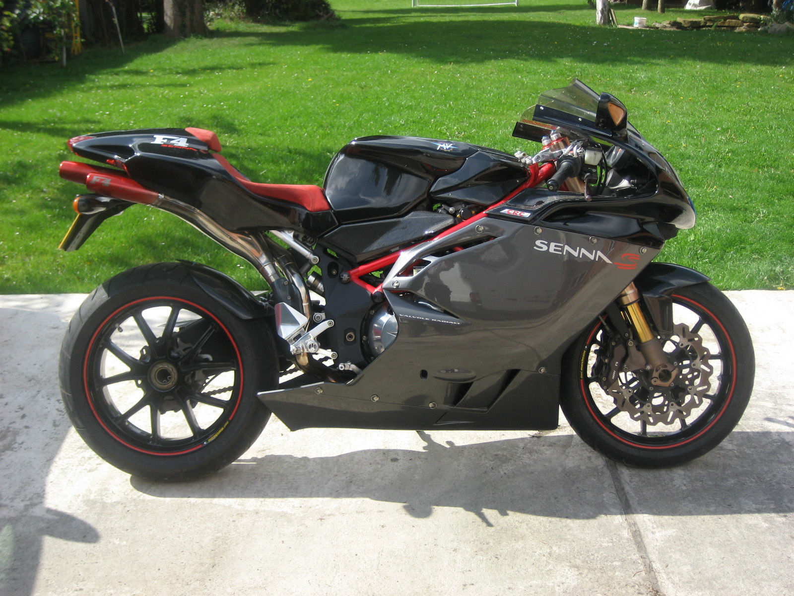 good job tastefully upgraded 2002 mv agusta senna 750 in the uk rare sportbikes for sale. Black Bedroom Furniture Sets. Home Design Ideas