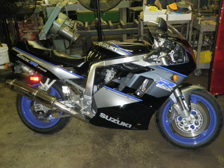 Not Blue and White:  1991 GSXR-750 in Black and Silver