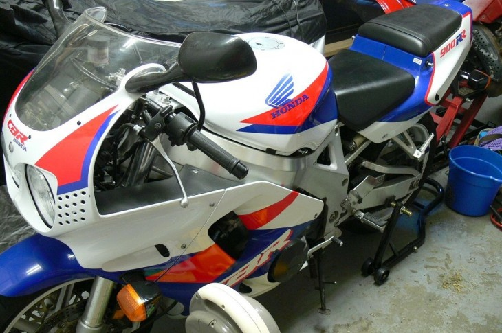 Future classic?: 1993 CBR900 in blue and white
