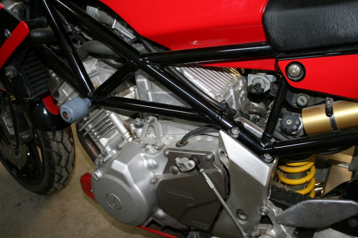 2000 Yamaha TRX850 L Side Engine