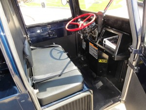 20150401 1993 cushman utility scooter interior right