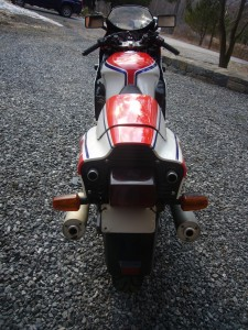 20150408 1985 yamaha rzv500r rear