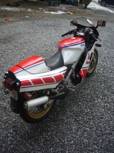 20150408 1985 yamaha rzv500r right rear