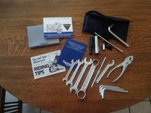 20150515 1995 triumph 900 super iii tool kit