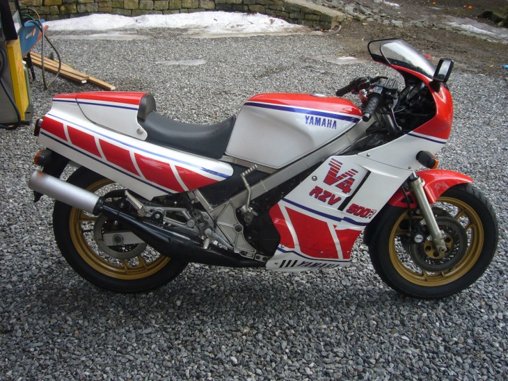 1984 Yamaha RZV500 R Side