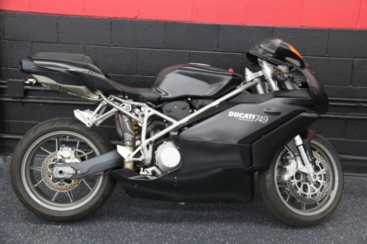 20150612 2005 ducati 749 dark right