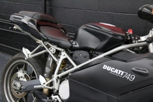 20150612 2005 ducati 749 dark right detail