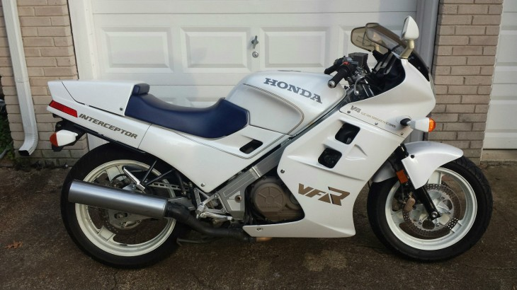 V4 Savior Survivor:  1986 VFR700 (not 750) in white