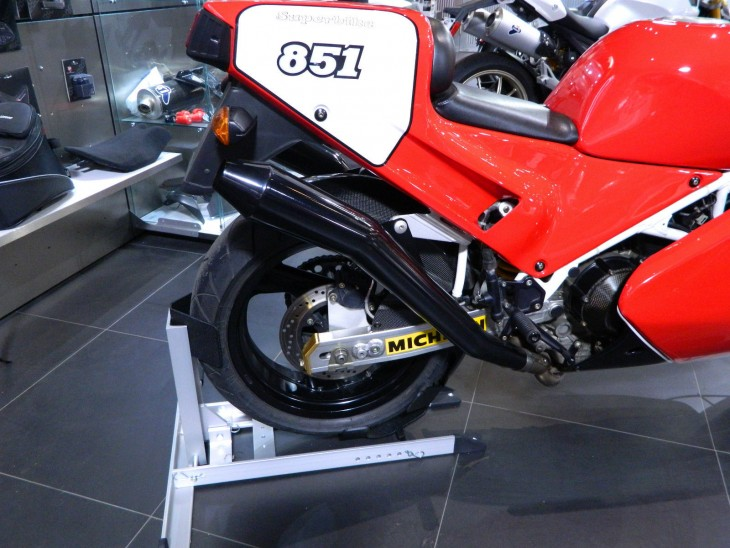 1990 Ducati 851 SP3 R Side Detail