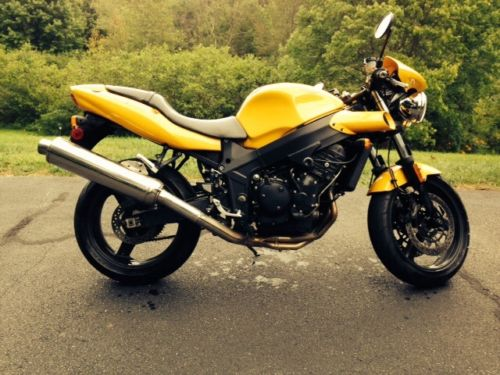 Cheap and Fun: 2005 Triumph Speed Four for Sale