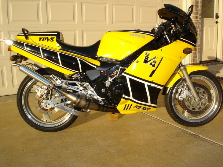 Tasteful Custom Stroker: 1985 Yamaha RZ500 for Sale