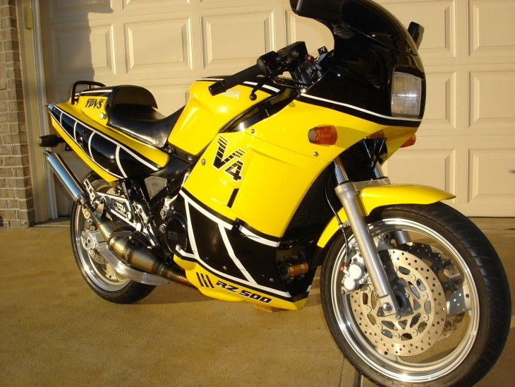 1985 Yamaha RZ500 R Side Front