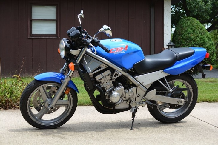 1990 Honda CB1 L Side