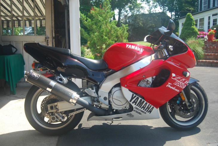 1997 Yamaha YZF1000 R Side