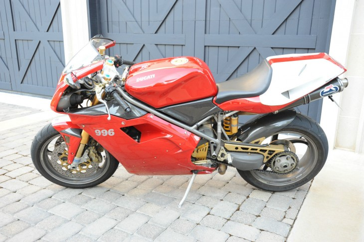 Gilded Lily: 2000 Ducati 996 SPS for Sale