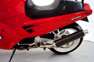 20150907 1991 ducati 907ie left seat detail