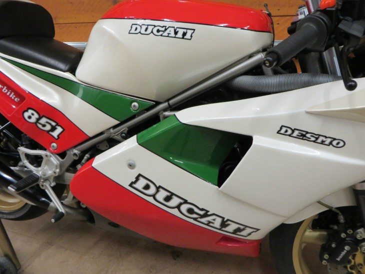 Ducati 851 Superbike Kit Tricolore
