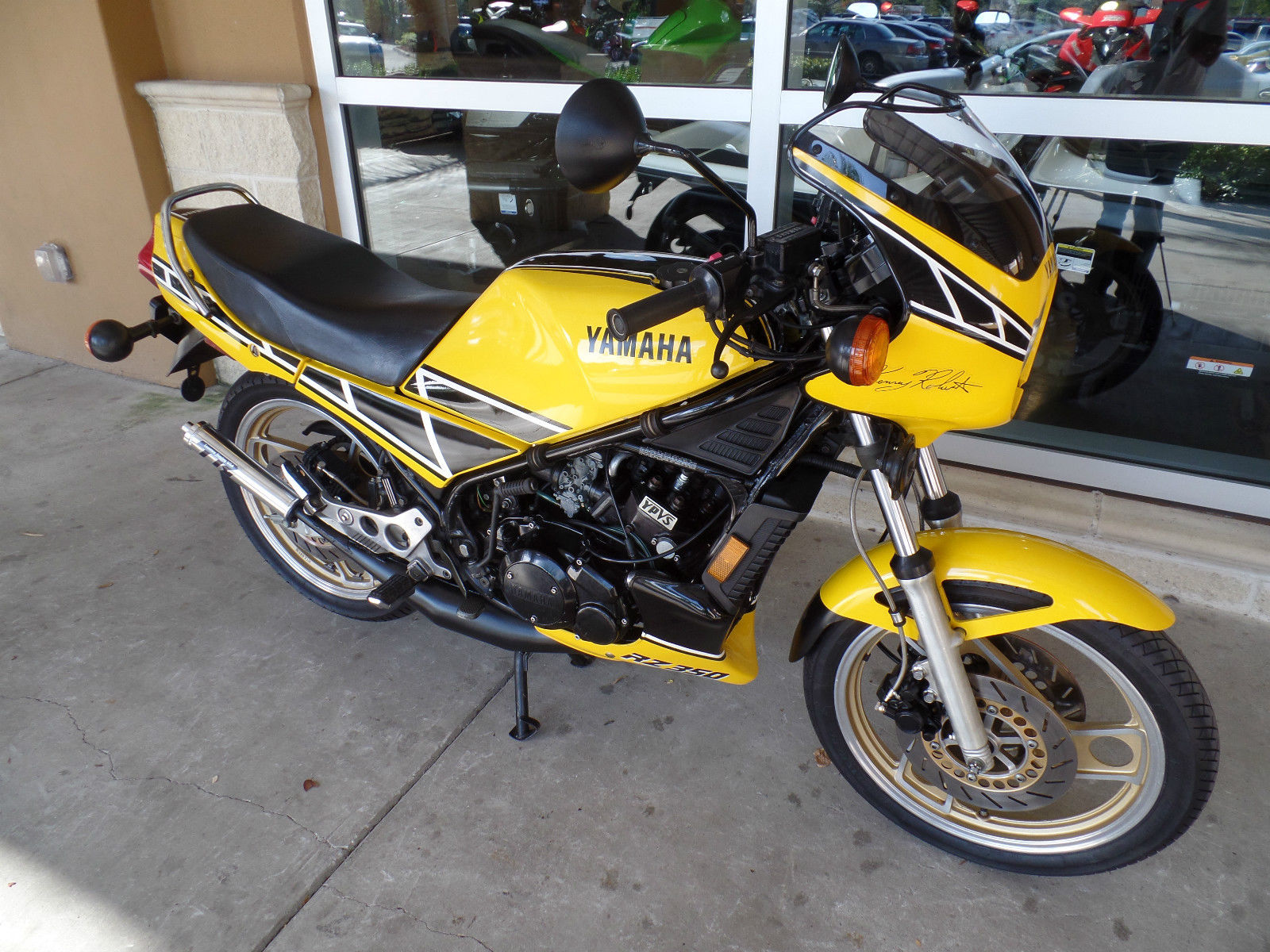60th anniversary colors 1985 yamaha rz 350 kenny roberts for Yamaha rz for sale