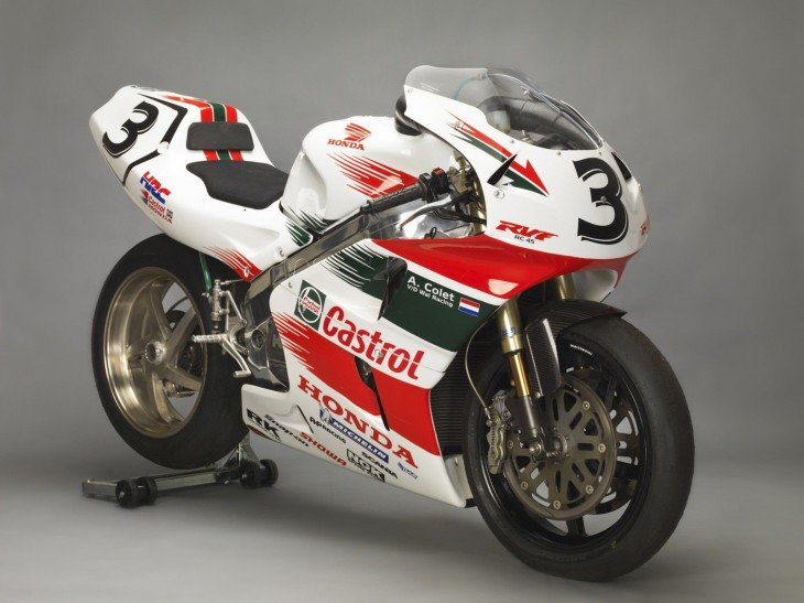 Starting December with a Bang:  Honda RC45 with HRC Kit Parts