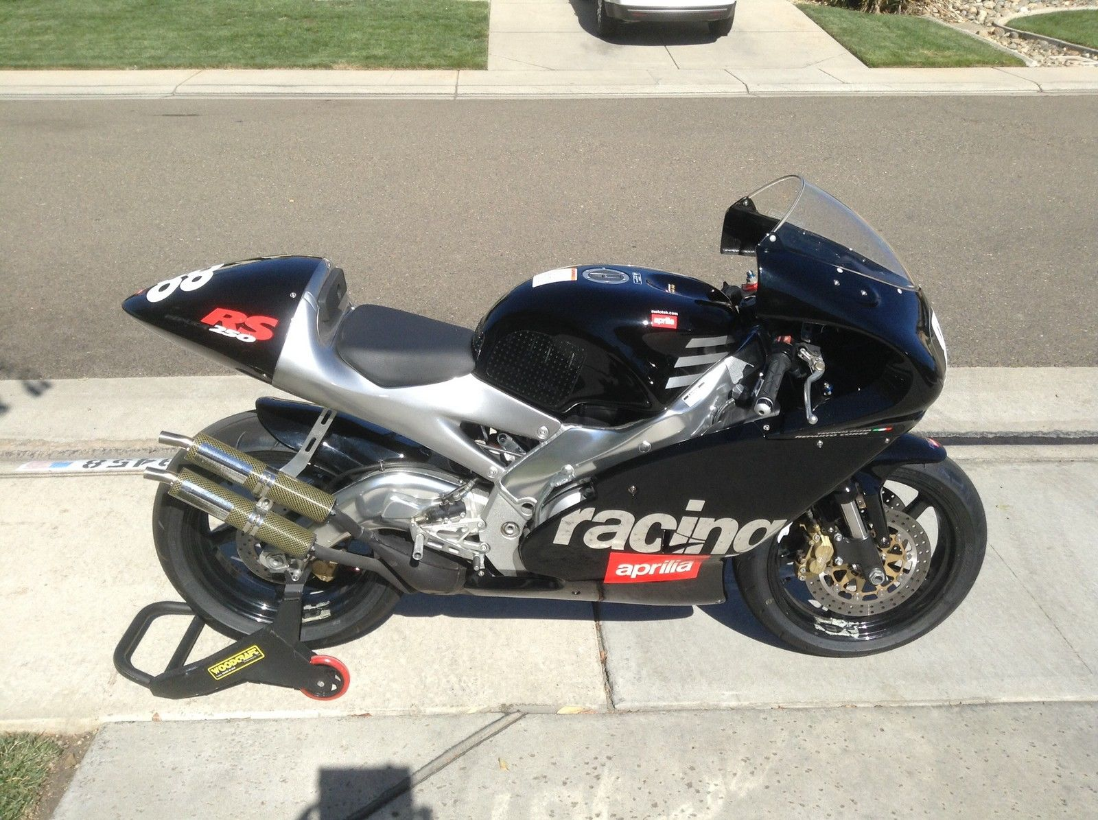 thy cup runneth over 2000 aprilia rs250 cup for sale rare sportbikes for sale. Black Bedroom Furniture Sets. Home Design Ideas