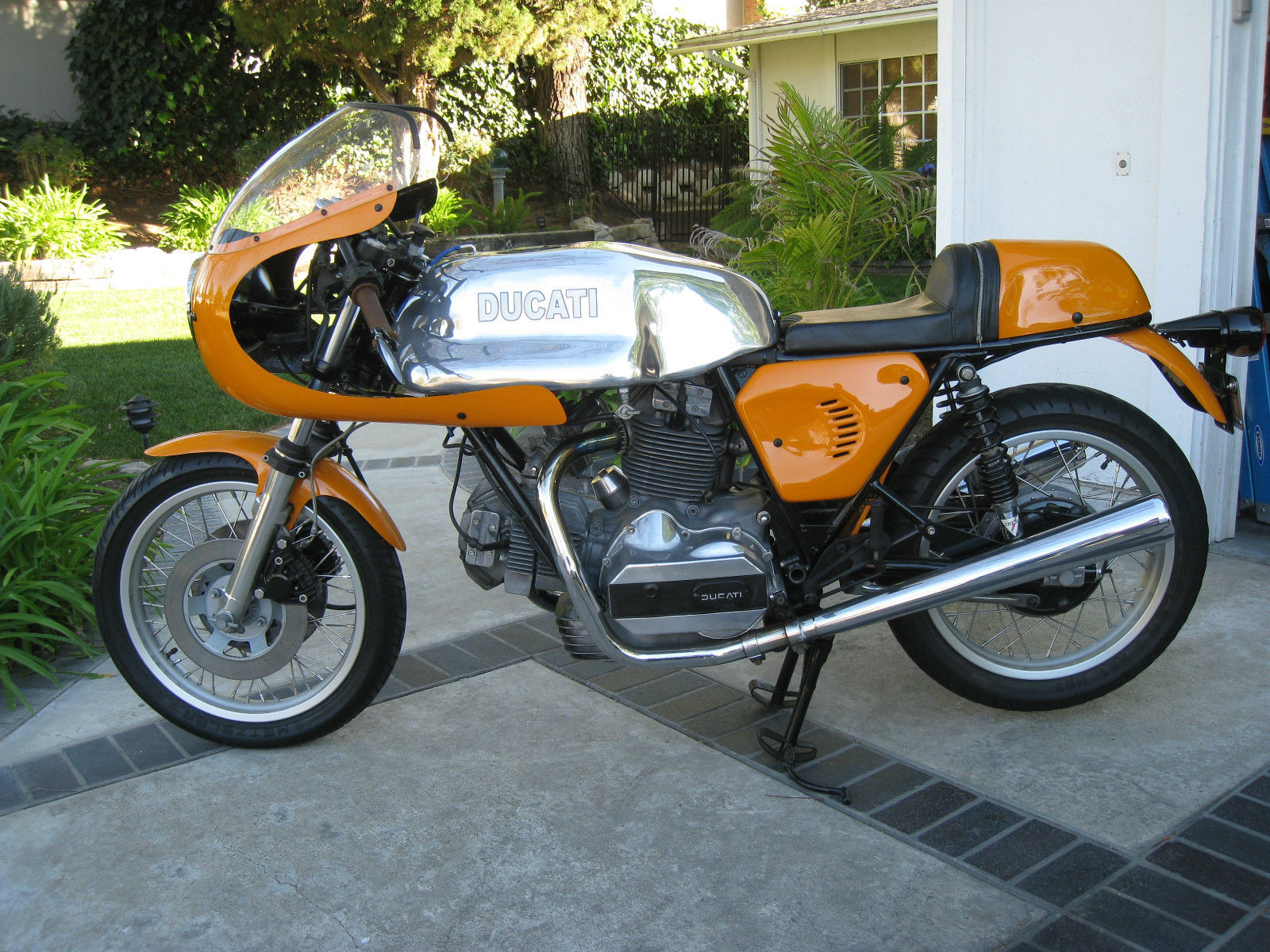 invoking dharma 1978 ducati 900 sd custom rare sportbikes for sale. Black Bedroom Furniture Sets. Home Design Ideas