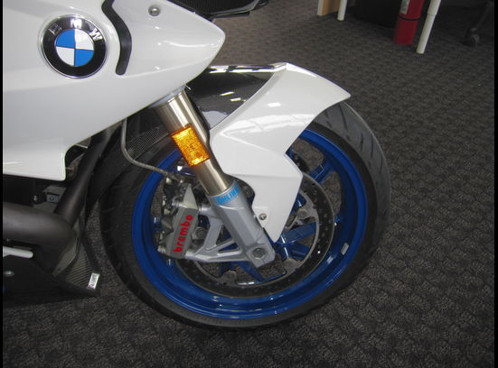 20160406 2010 bmw hp2 sport right front wheel