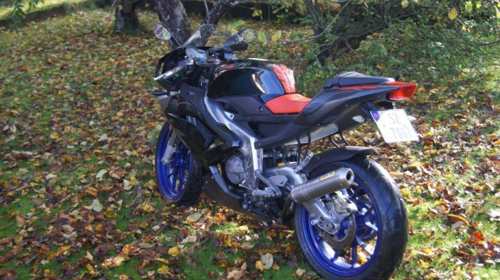 20160526 2006 aprilia rs125 left rear