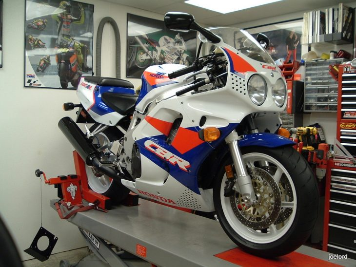 Less Being More – 1993 Honda CBR900RR
