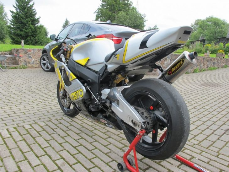 1999 Yamaha R7 L Rear