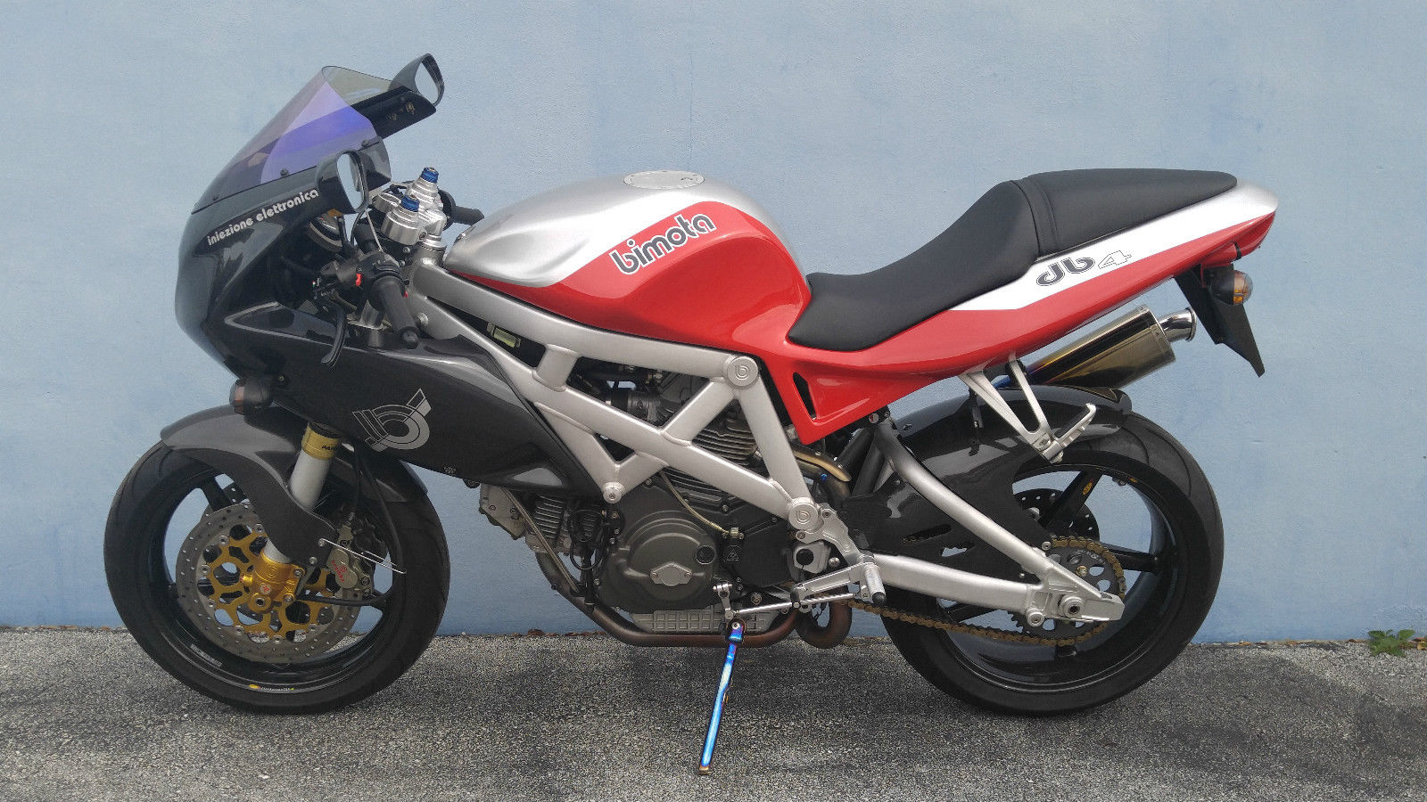 the sum of its parts 2000 bimota db4 for sale rare sportbikes for sale. Black Bedroom Furniture Sets. Home Design Ideas