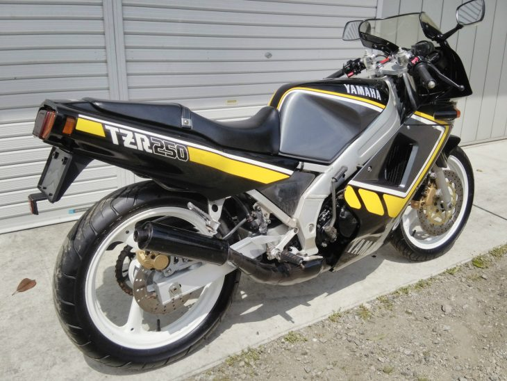 1985 Yamaha TZR250 R Side