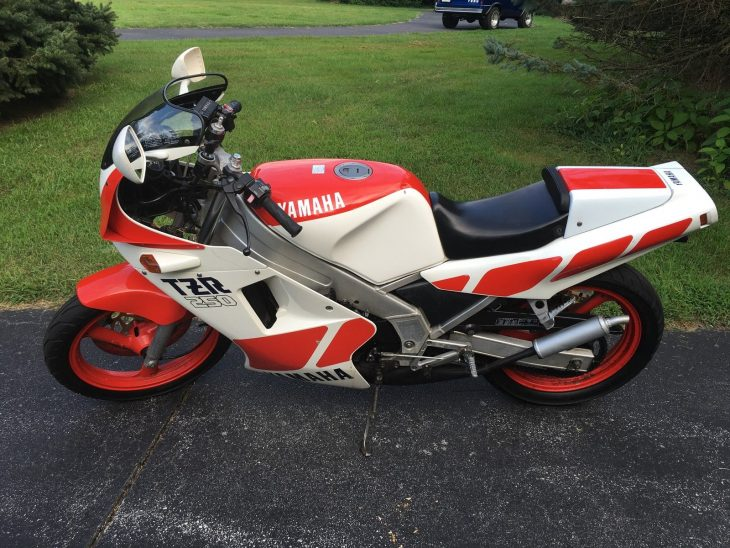 1986 Yamaha TZR250 L Side