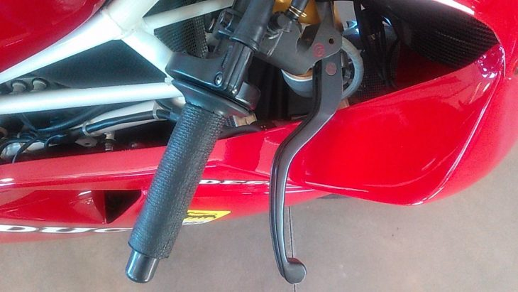 1992-ducati-888-corsa-throttle