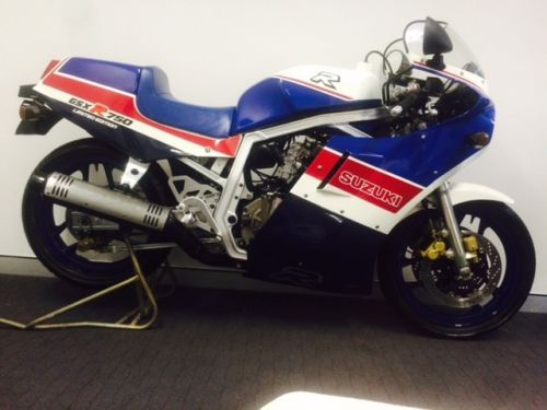 Unobtanium Alert:  1986 Suzuki GSX-750R LE with only 6 Kilometers in Australia