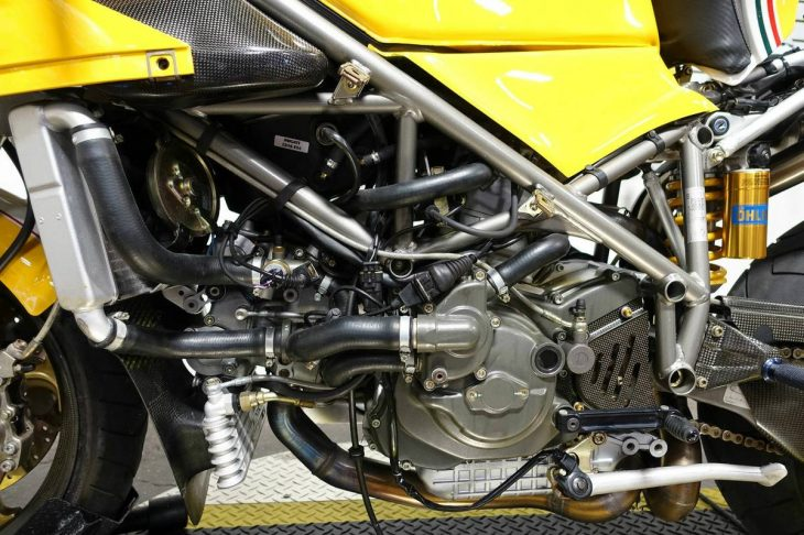2000-ducati-748r-l-side-engine
